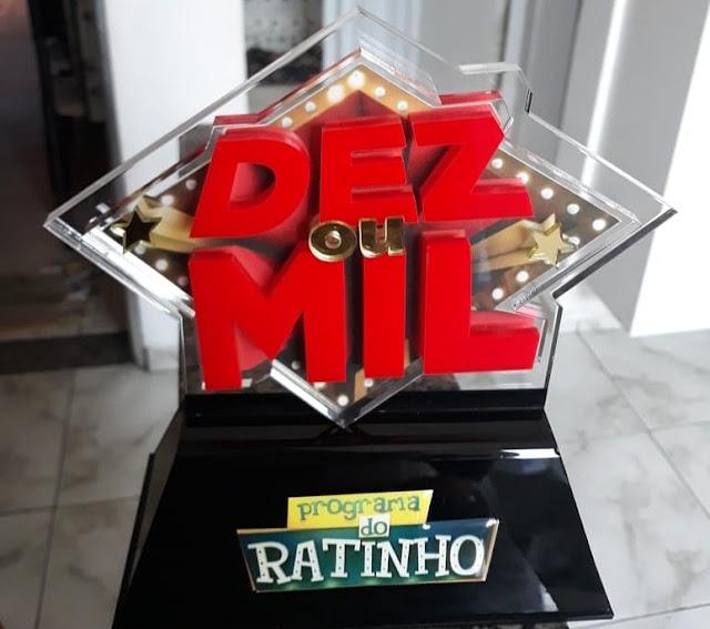 """Cantor piauiense Erismar do Acordeon vence prêmio do quadro """"Dez ou Mil"""" no Programa do Ratinho"""
