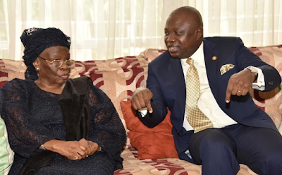 Lagos State Govenor Gov. Ambode pays condolence visit to family of late Dr. Tunji Braithwaite