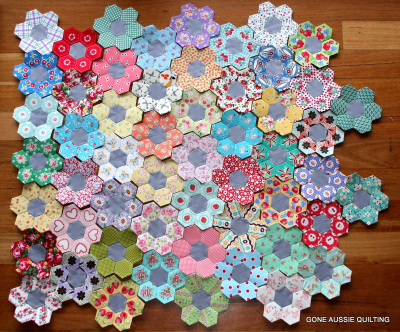 Gone aussie quilting more english paper piecing for Free english paper piecing hexagon templates