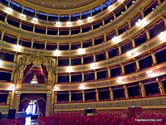 Plateia e galerias do Teatro Massimo, Palermo, Sicília