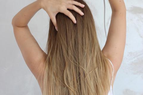 Czy suszarka niszczy włosy? Kiedy niszczy, a kiedy nie? Dlaczego niszczy?  - czytaj dalej »