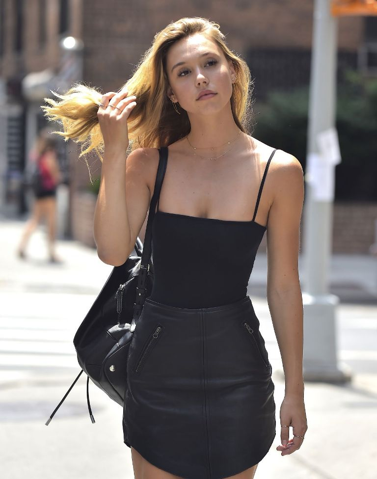 Alexis Ren – Out in New York City
