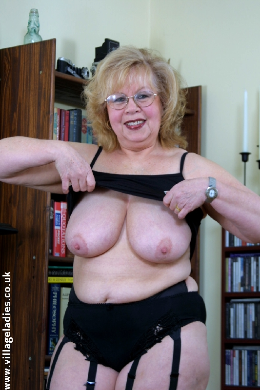 Archive Of Old Women Mature Lady Sets In Rar-5045