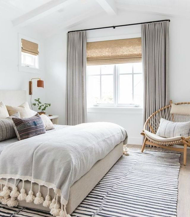 Dormitorio blanco, gris, ocre