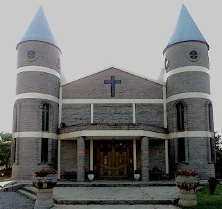 Igreja São Pelegrino, A Igreja de Pedra