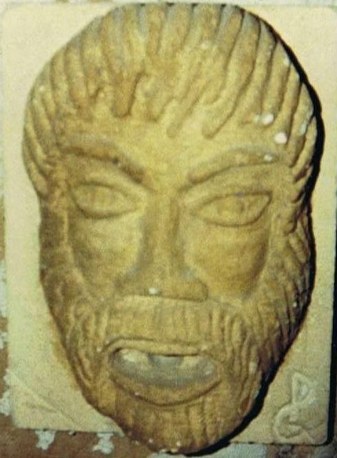 sculpture tête de romain en pierre d'estaillade par Jean Papini