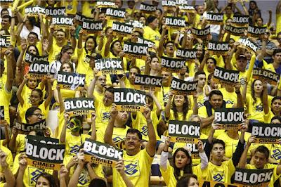 torcida bloqueio seleção brasileira feminina de vôlei
