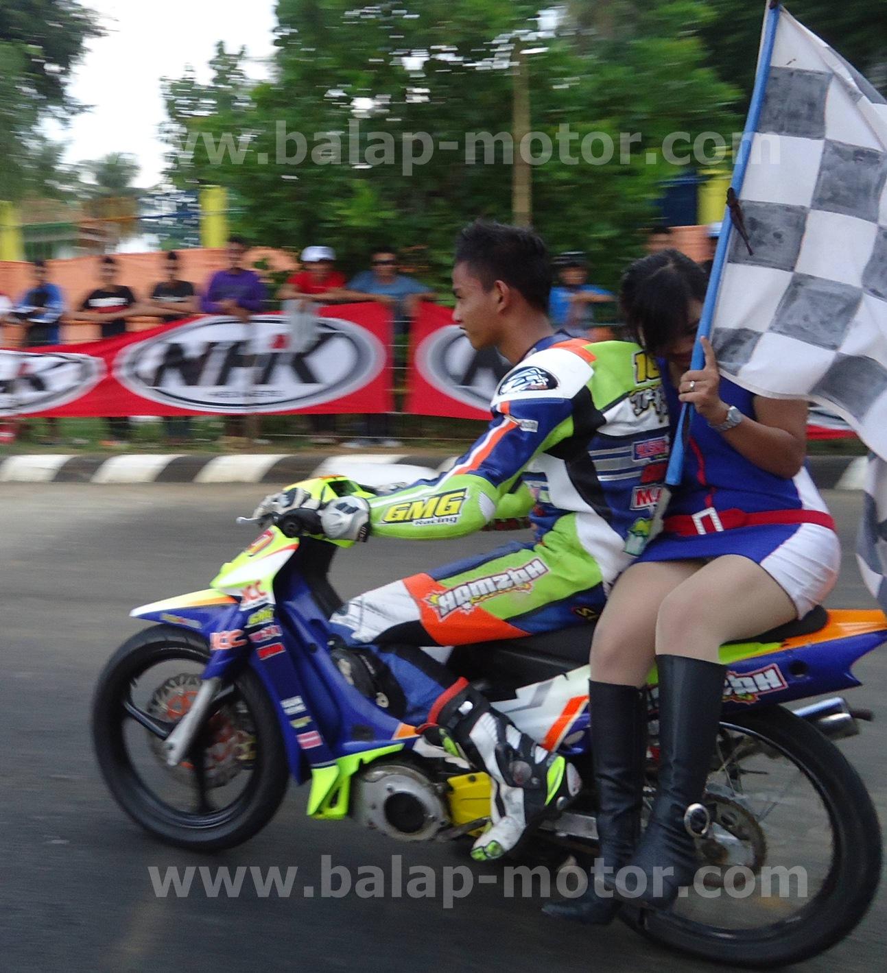 Gambar Motor Balap Road Race Fiz R Galeriotto