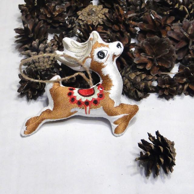 Новогодняя елочная игрушка Олень - безопасное елочное украшение для самых маленьких