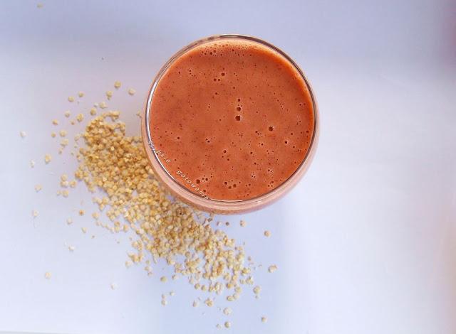 Koktajl z płatkami quinoa