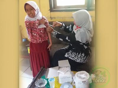 Ibu Bidan Rohenah BIAS di SDN Munjul Jaya, Pagaden Barat, Subang, Jabar