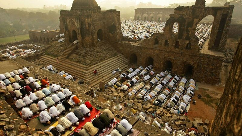 Muslims offering Eid prayers in the demolished Babri Masjid in Ayodhya, District Faizabad
