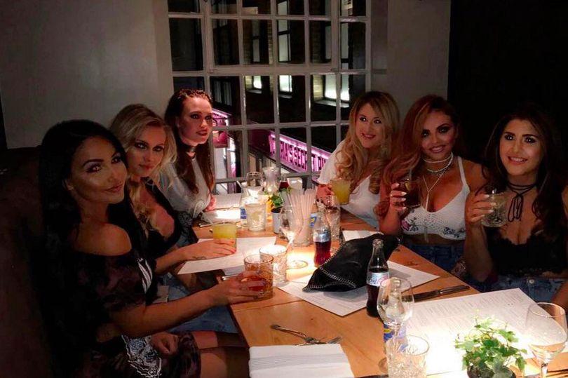 Jesy-Nelson-enjoys-girls-night-out-after-split