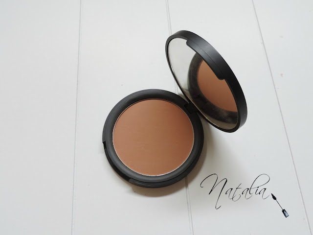 Pressed-Powder-Superior-Cover-Sleek