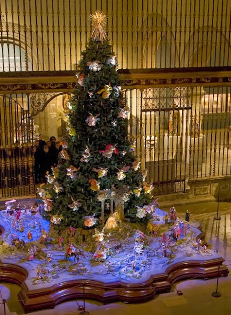 http://www.metmuseum.org/en/exhibitions/listings/2011/christmas-tree