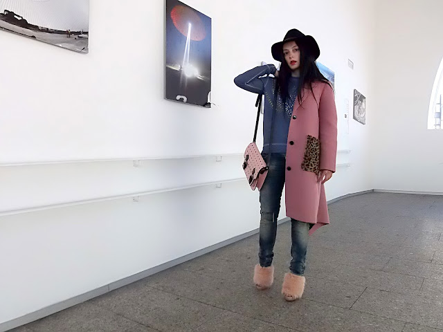 fashion, moda, look, outfit, blog, blogger, walking, penny, lane, streetstyle, style, estilo, trendy, rock, boho, chic, cool, casual, ropa, cloth, garment, inspiration, fashionblogger, art, photo, photograph, Avilés, asturias, Asos, zara, jeans, coat, hat, niemeyer