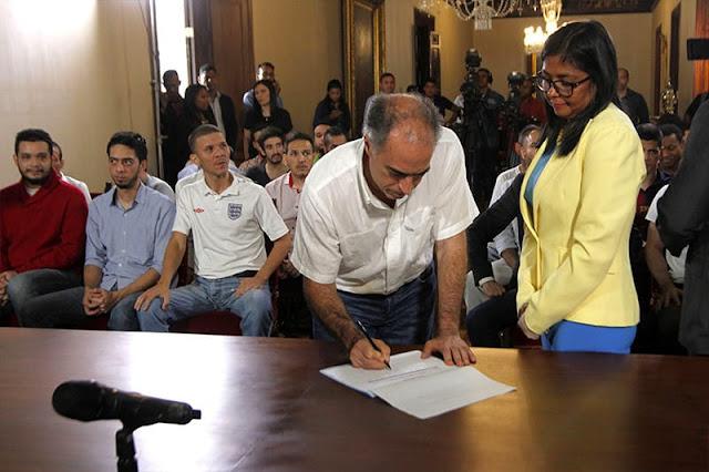 40 Secuestrados políticos del régimen de Maduro fueron obligados a firmar documento