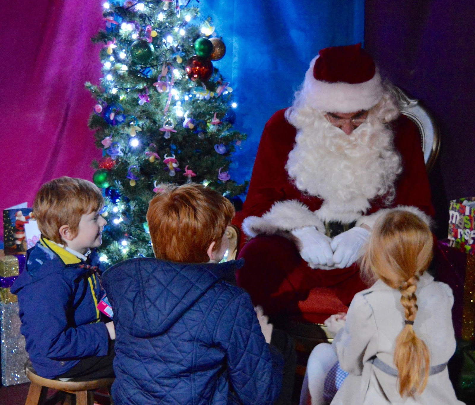 Visiting the FREE Santa's Grotto at intu Metocentre
