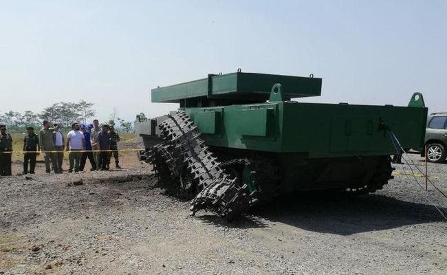 Uji coba peledakan tank tempur medium Pindad