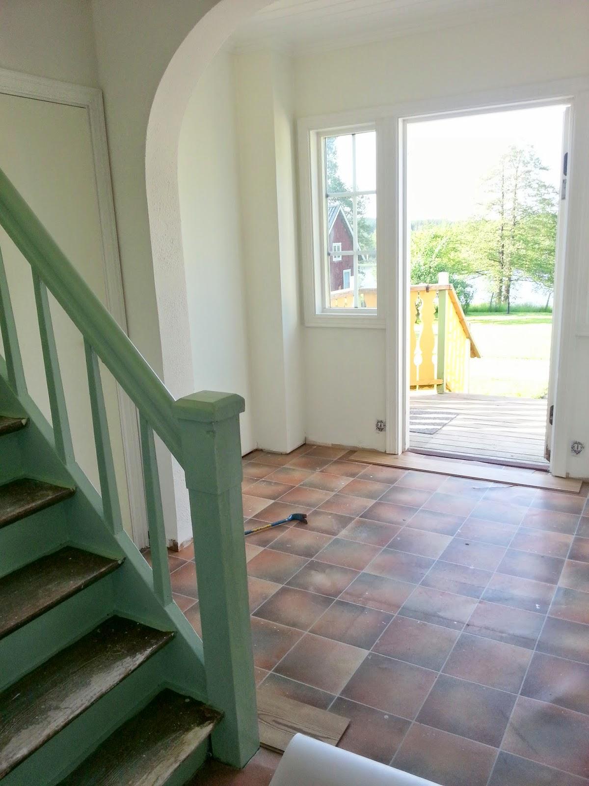 Att skapaär livet! renovering, konst och design Renovera en hall i gammalt hus