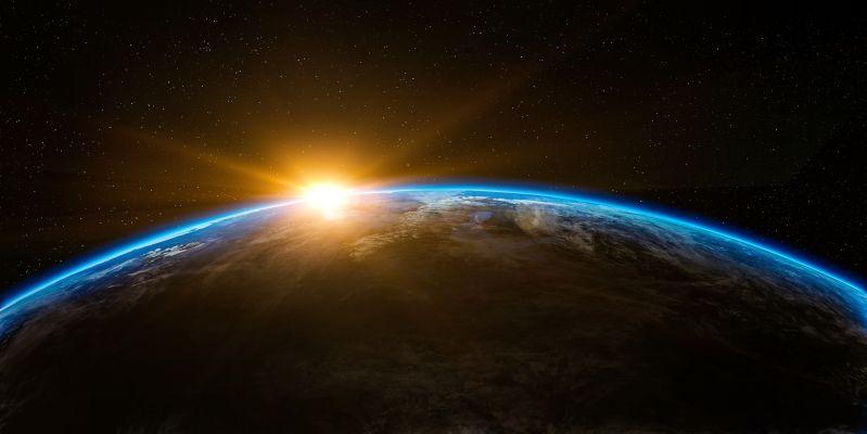 Sonnenaufgang im Weltall