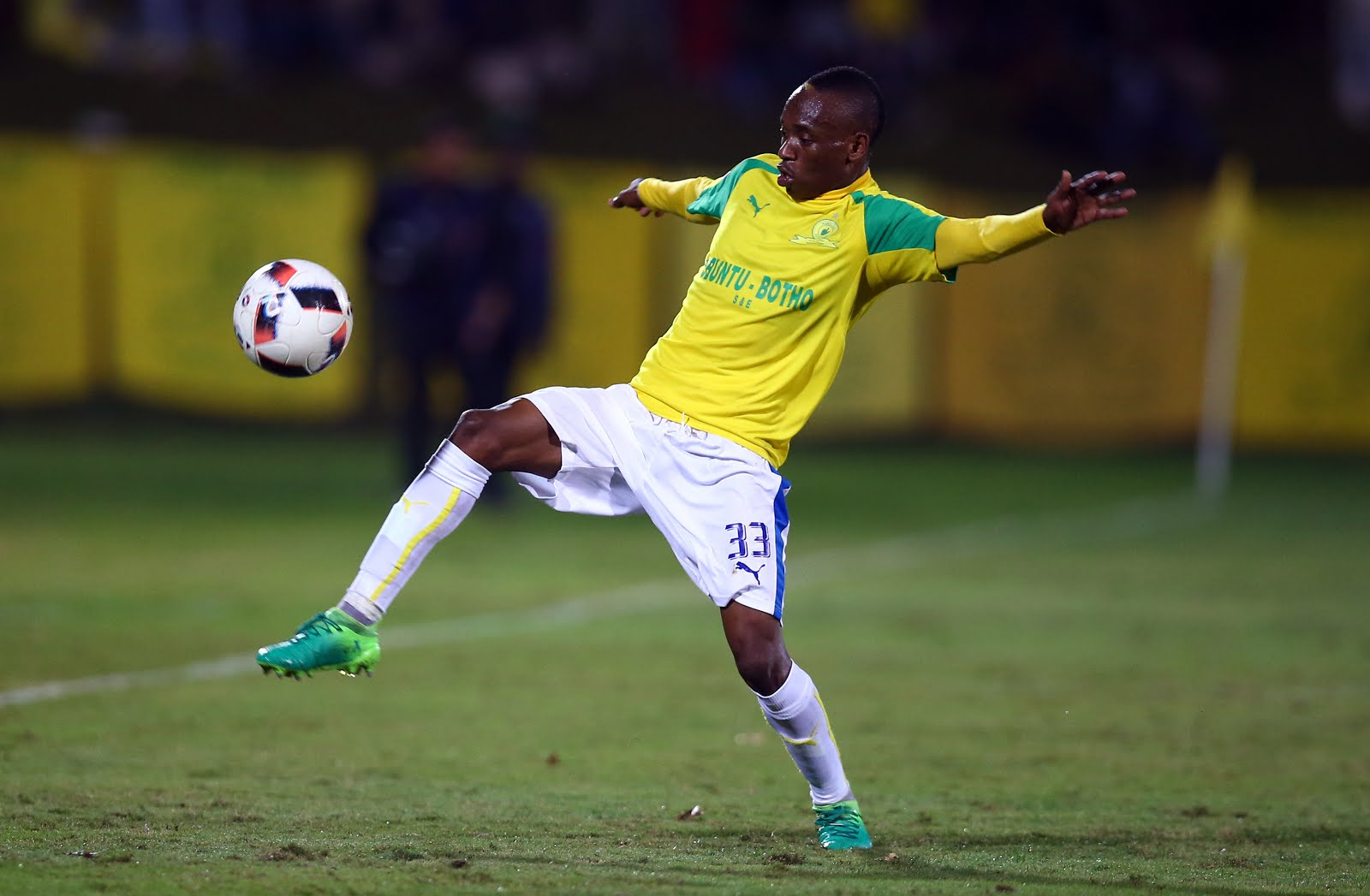 Khama Billiat of Mamelodi Sundowns during the Absa Premiership match between Golden Arrows and Mamelodi Sundowns at Princess Magogo Stadium