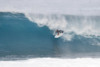11 Caio Ibelli Billabong Pipe Masters foto WSL Damien Poullenot