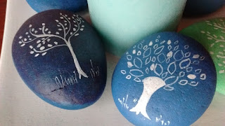 árbol, piedras pintadas, roca
