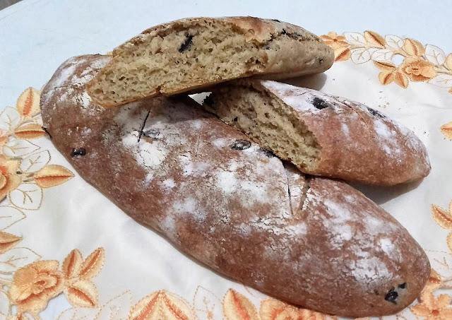 خبز الزعتر والزيتون
