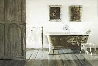 Bathing room image via Côté Maison as seen on linenandlavender.net - http://www.linenandlavender.net/2012/02/this-love.html