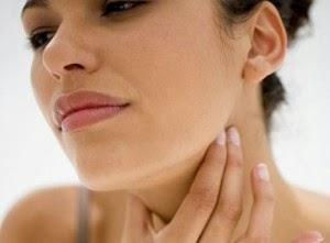 gejala benjolan kecil di leher sebelah kiri
