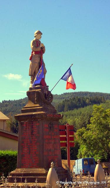 Monument aux morts de Chabreloche.