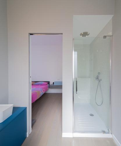 Interior relooking: 4 idee per estendere una camera da letto