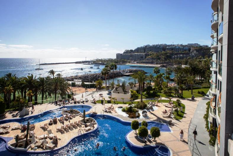 Romania live radisson blu resort gran canaria live webcam - Living in gran canaria ...