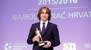 Luka modric wins croatia player of the year award