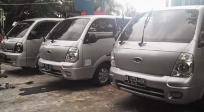 KIA Travello Sewa Van Murah Plus Sopir di Padang