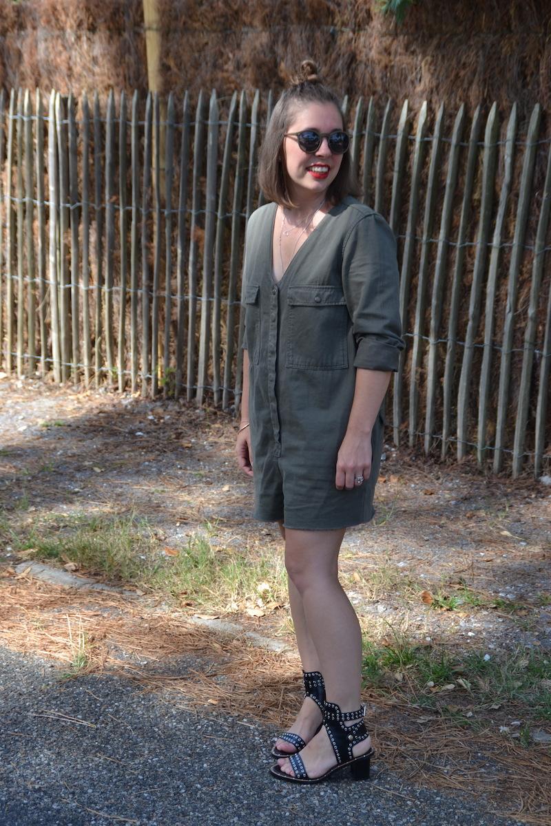 combishort kaki pimkie, lunette kaki asos,collier l'atelier d'amaya et seemeorgn sandales Sheinside like Isabel Marant