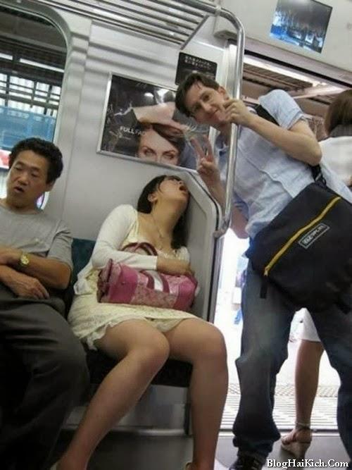 Ảnh vui ngủ trên xe buýt