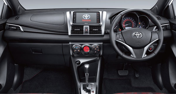 Interior Yaris Heykers
