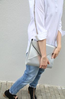 biała koszula, novamoda stylizacje, blog moda, blog po 30-tce, osobista stylistka, Novamoda streetstyle, duża kopertówka, kopertówka