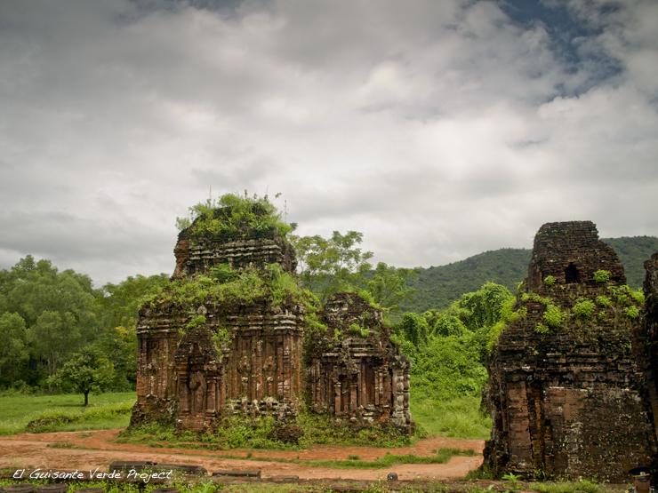 Templos de My Son - Vietnam por El Guisante Verde Project