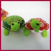 Tortugas a crochet con caparazón en espiral
