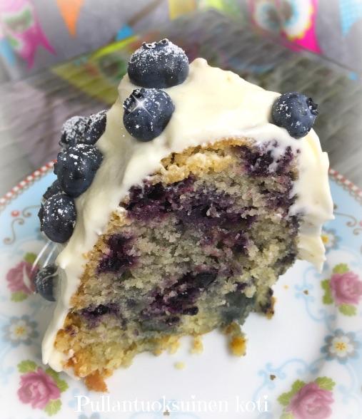 #mustikkakakku #kuivakakku #hummingbirdbakery #baking #cake #blueberries #mustikka #kahvikakku #leivonnainen