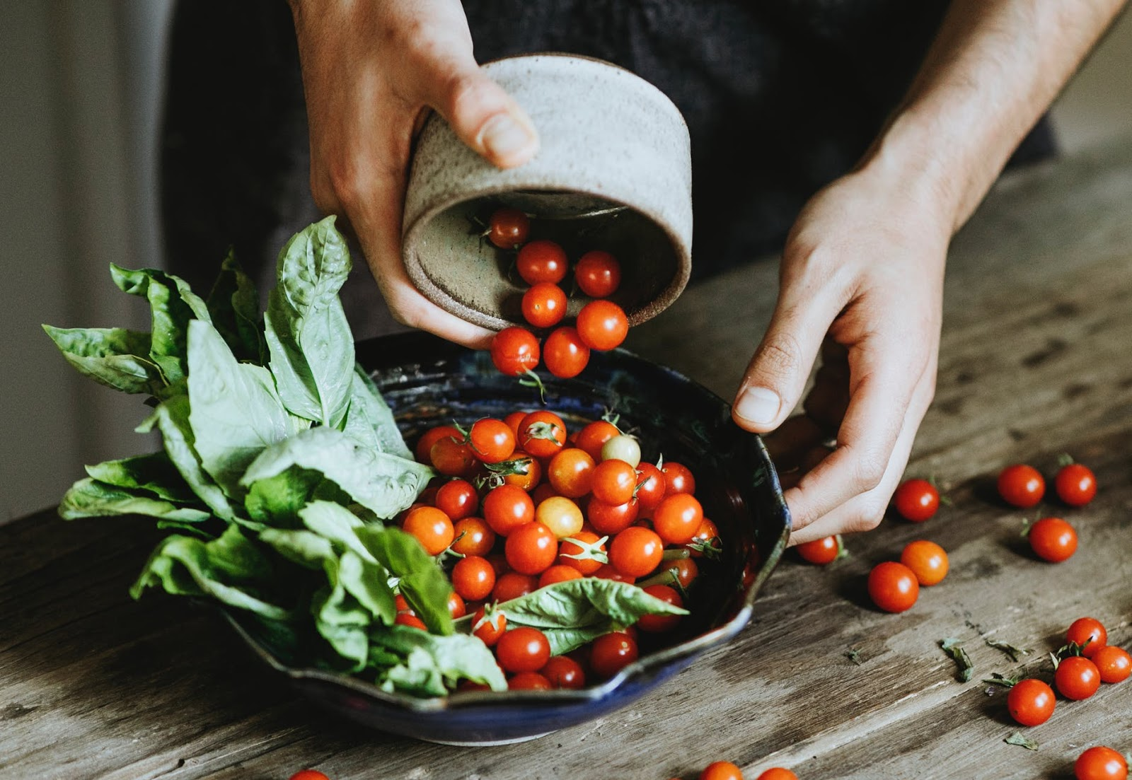 bowl of fresh salad leaves and tomatoes