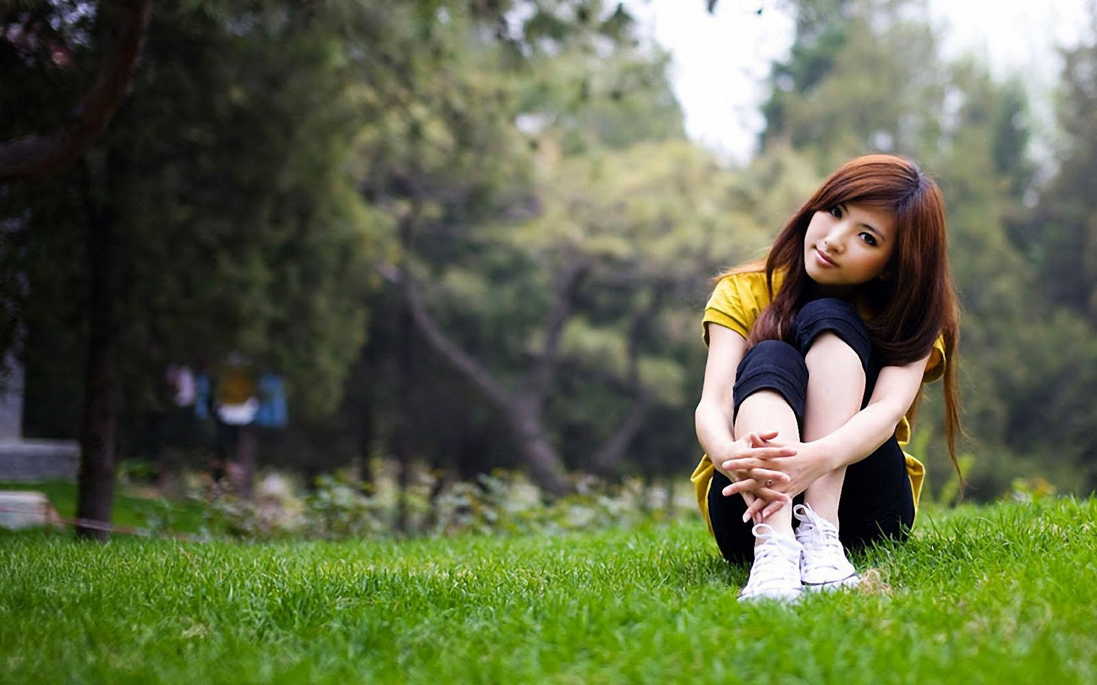 Cute Asian Girl In Love Nature Hd Love Wallpaper  Love -1785