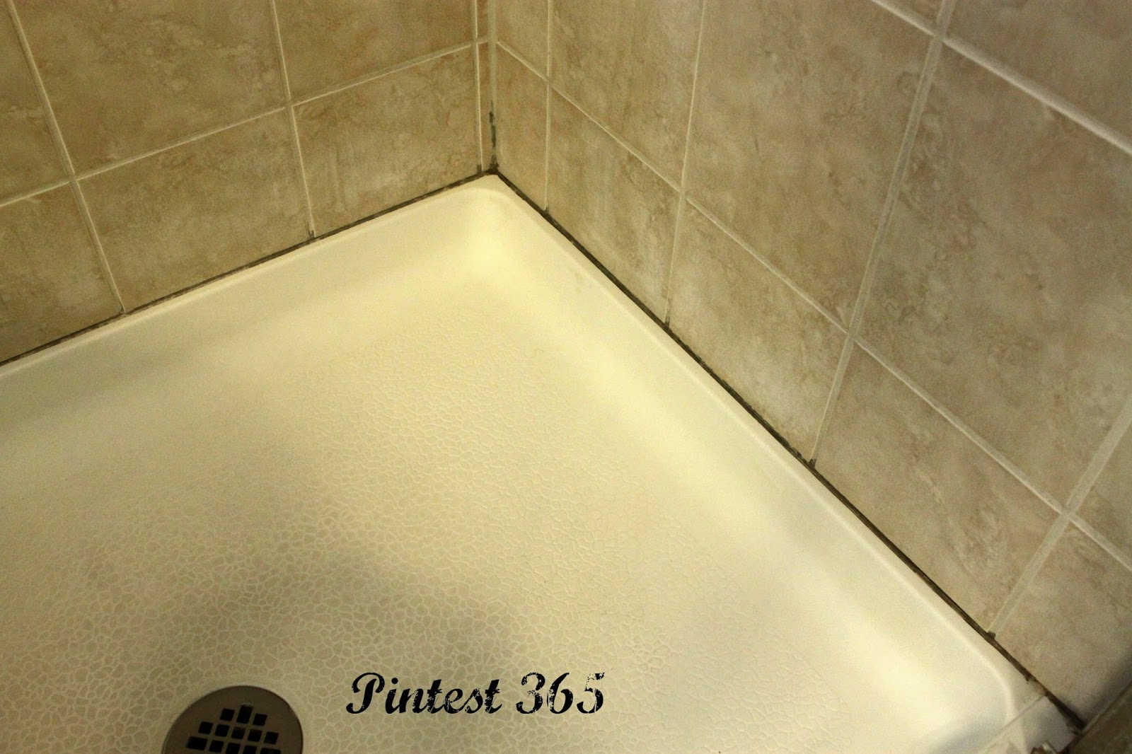 Pintest 365.: Day 82: OxiClean Mixture to Clean Grout (fail).