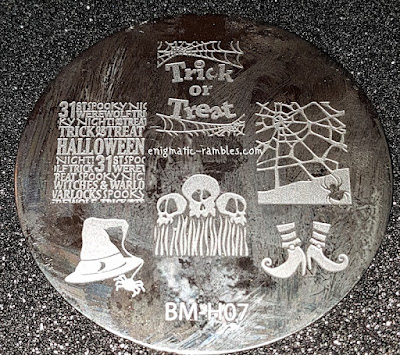 Review-Stamping-Plate-Bundle-Monster-Holiday-Collection-H07-BMH07