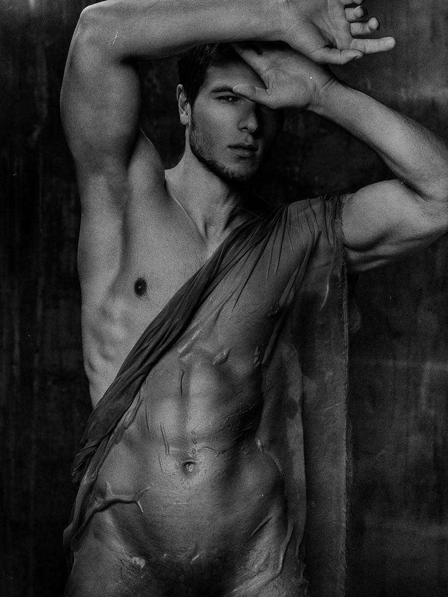 Tim Naked 51