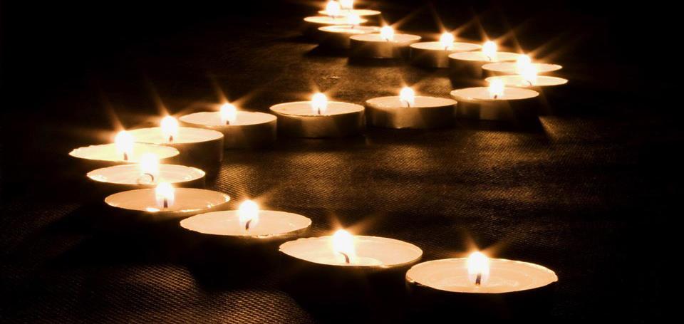 http://4.bp.blogspot.com/-VIz5WhTYlTQ/UCFWsT8ZcoI/AAAAAAAAAYw/JBSx7Yed4UE/s1600/velas.jpg