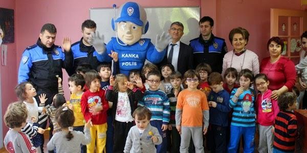 'Kanka' dan çocuklara tiyatral trafik eğitimi